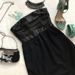 Theory Black Ruched Leather Strapless Dress Sz 2